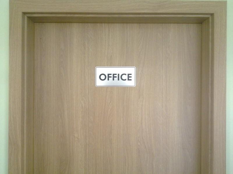 označenie kancelárie